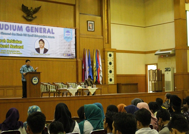 FEB UIN Jakarta Staged Event Studium General Resource with industry Minister RI