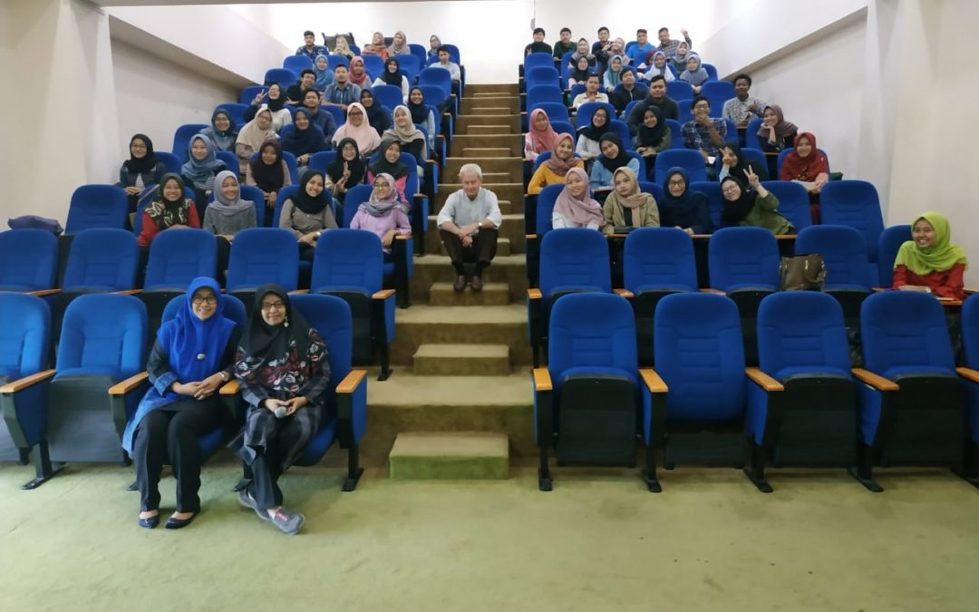 Guest Lecture Prodi Akuntansi – Contemporary Issues on Banking oleh Klaus Stagars (praktisi SES Jerman)